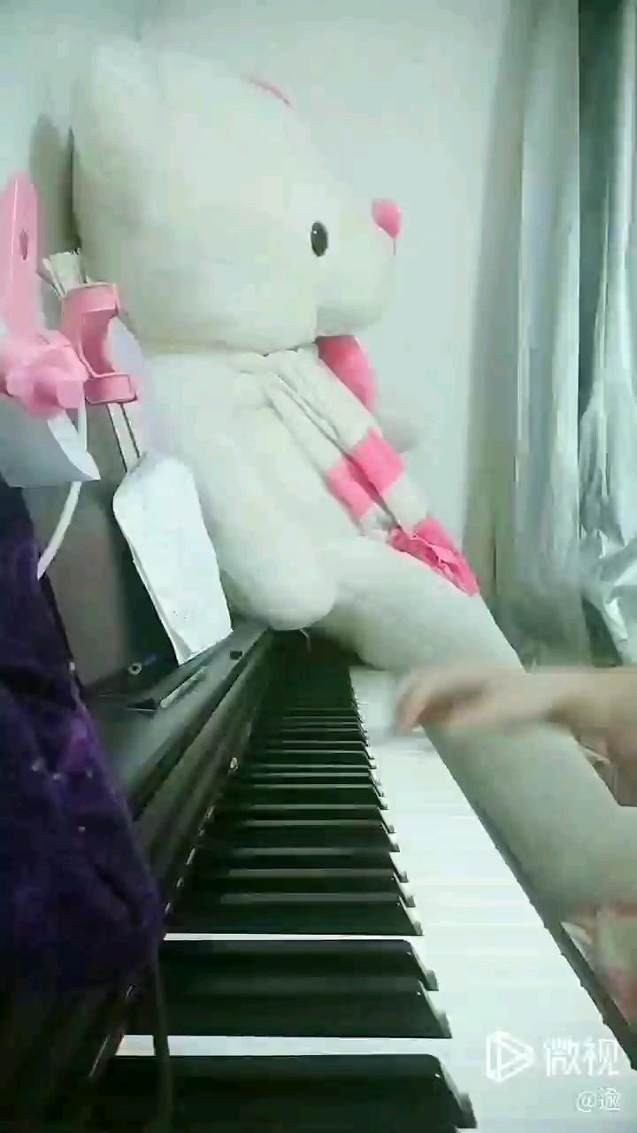 虫友们反响不错,我就弹了后续😁😁欢迎各位钢琴简谱网琴友们的建议,洗耳恭听哦~