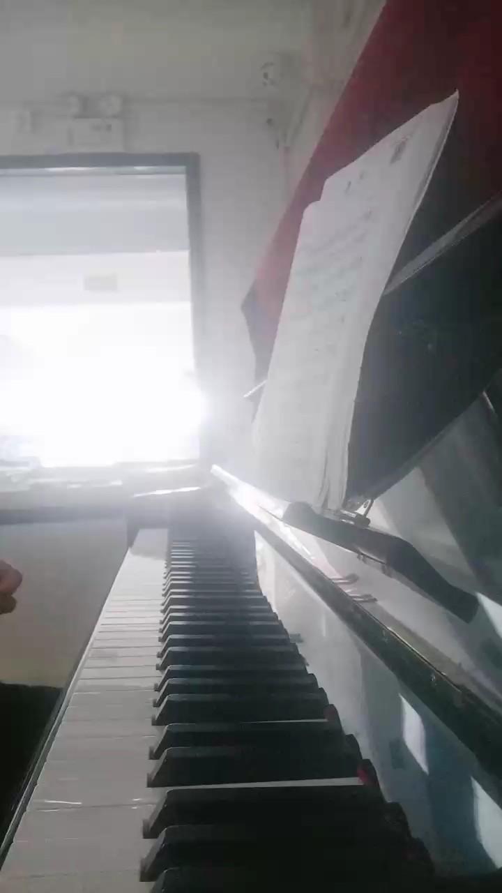 学钢琴学了一年 😂,这首自练的演奏视频