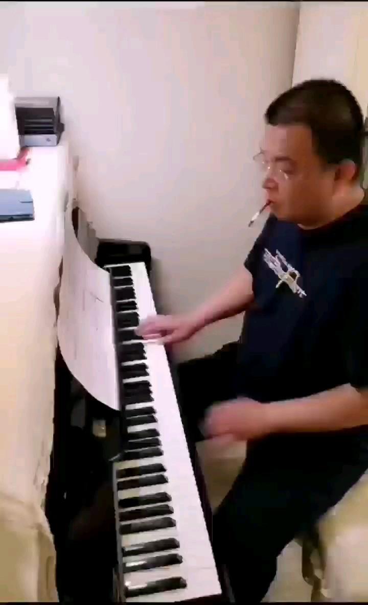Por Una Cabeza(一步之遥)演奏视频