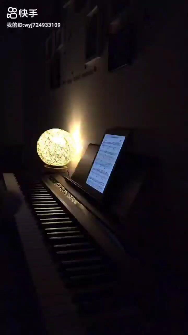 一个精神分裂症患者的自白演奏视频