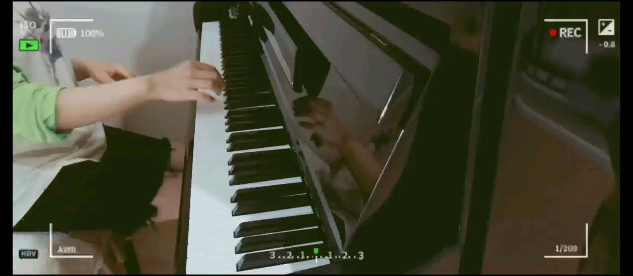 偷懒只弹了后半段,真的很喜欢这首歌,每次弹都能给我力量~演奏视频