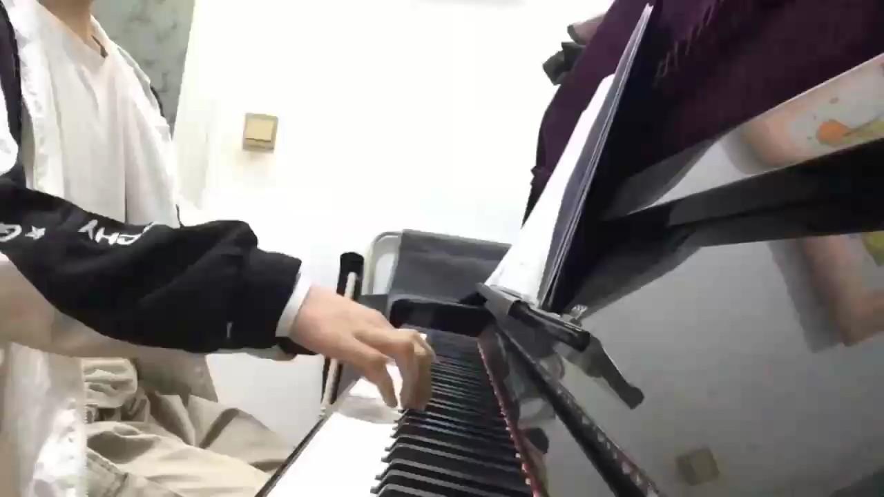 自学的一个简单好听的钢琴曲演奏视频