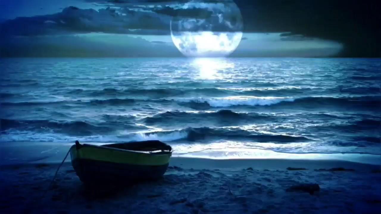 潺潺的清溪,皑皑的雪山,葱葱的林海,静静的花开。在如水清美的岁月年华里,婉转成一曲柔缓淡雅的旋律,让心如水般轻灵淡泊,让灵魂如水般纯美渊远,让生命如水映万物般灿烂多彩……演奏视频
