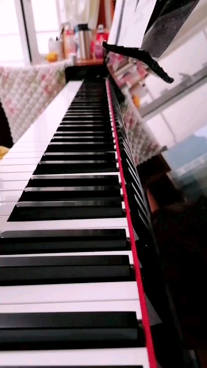 超喜欢的一首纯音乐,而且不太难,小白也可以试试哦(´-ω-`)演奏视频