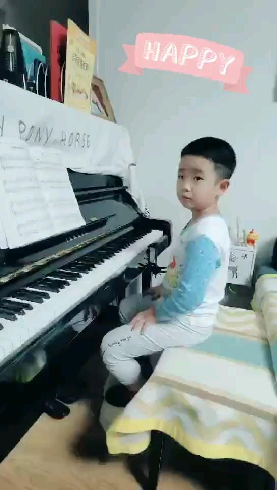 初学5个月的小琴童,继续努力中,加油!演奏视频