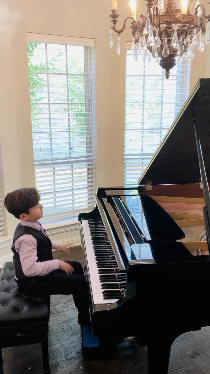 Debussy更好的版本。演奏视频