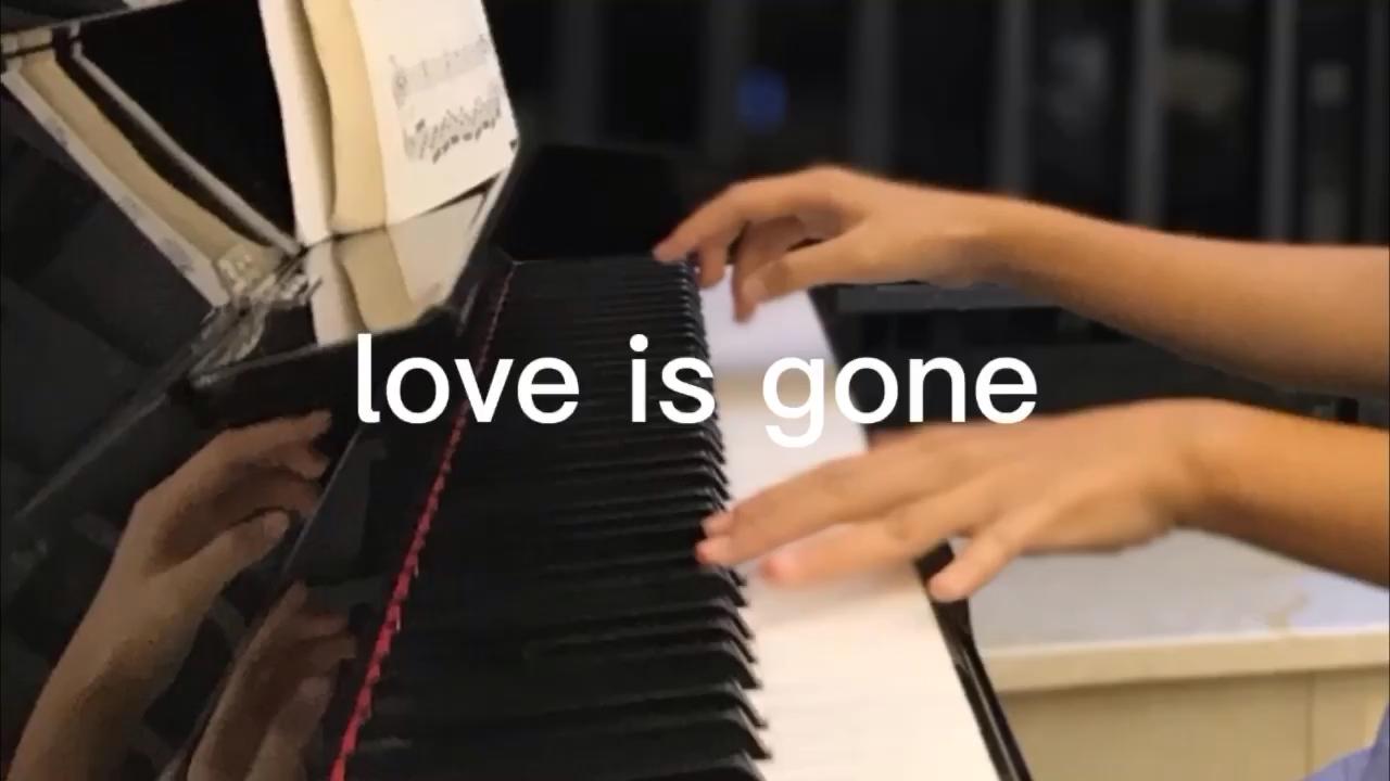 单曲循环的歌词里都是遗憾演奏视频