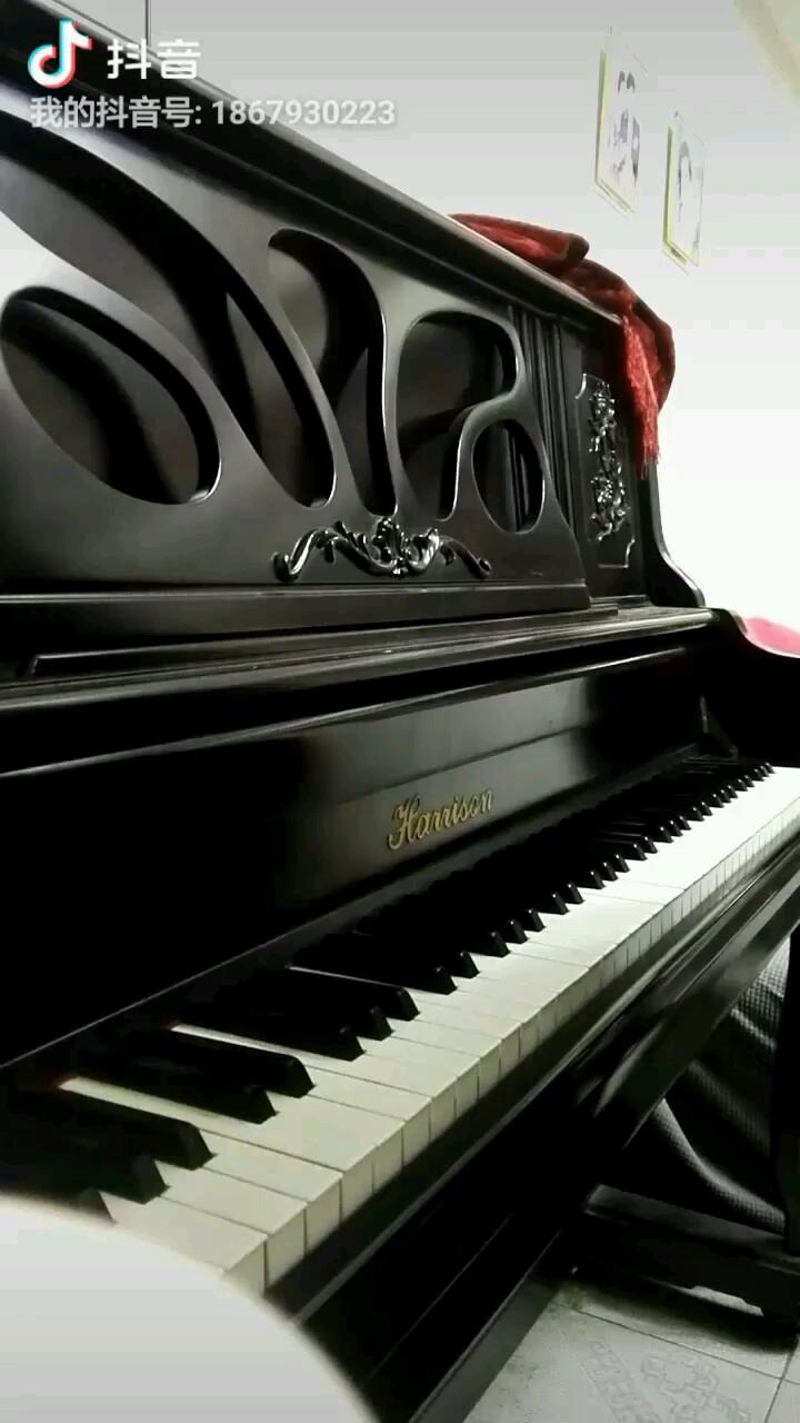 钢琴自学,弹得不好请多见谅!演奏视频