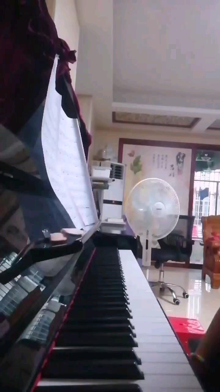 TA-完整版-新手好听易学-原调E-弹钢琴的余鱼编配-不是花火演奏视频