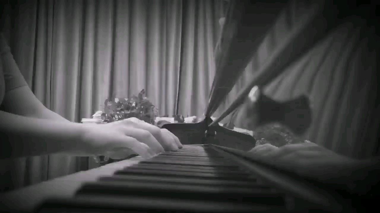 手在键盘敲很轻 我给的思念很小心~演奏视频