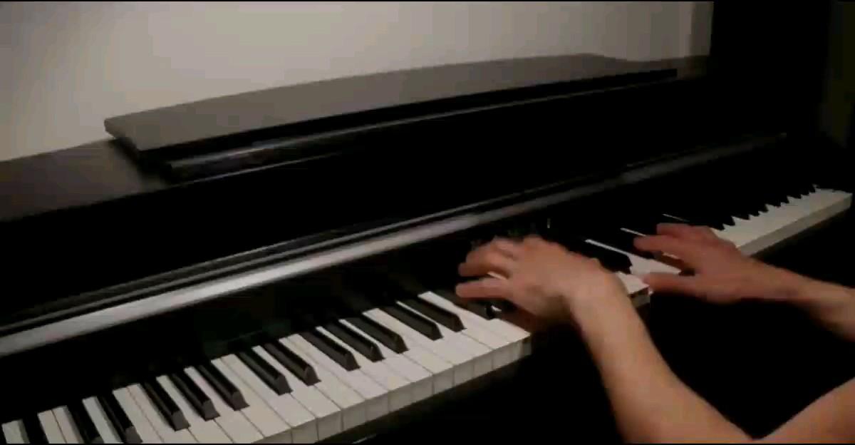 River flows in you   当初第一次听这首曲子时  还很青涩    现在闭上眼     一触健就能流畅弹出 却怎么也找不到那种感觉了            ╮(﹀_﹀)╭演奏视频