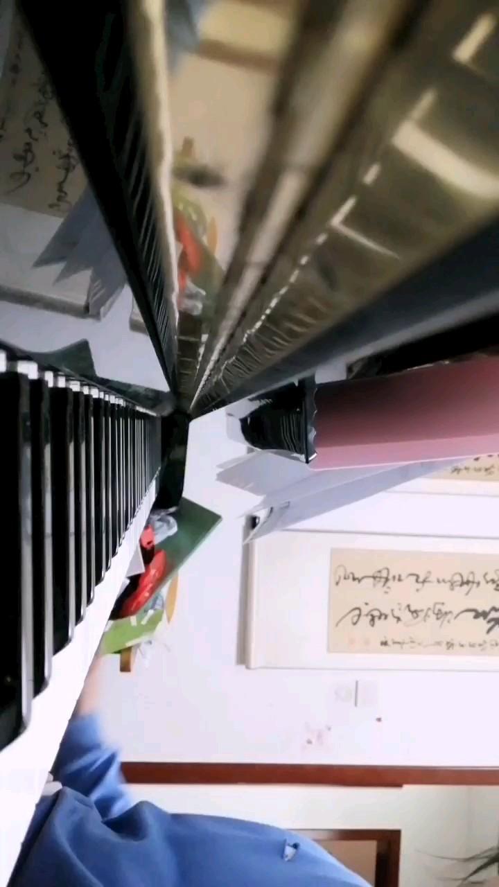 卡农的第一版演奏视频