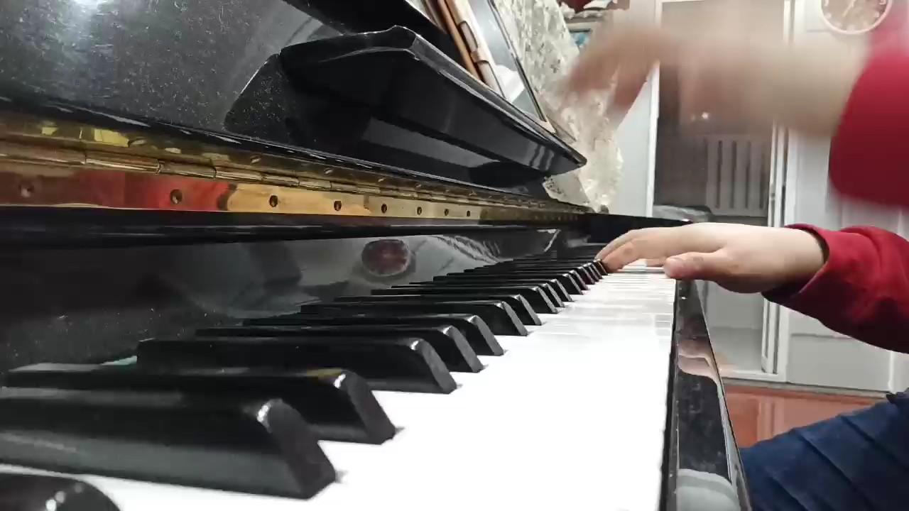 车尔尼e小调练习曲演奏视频