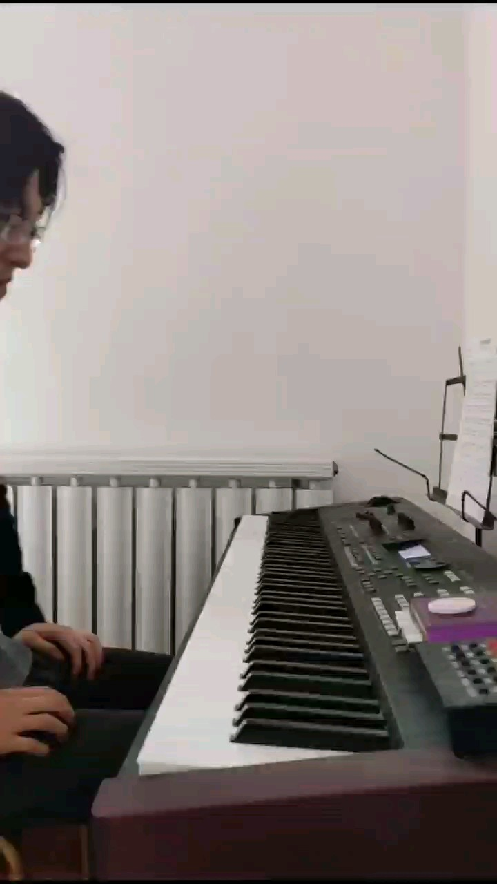 即兴伴奏《白月光与朱砂痣》点击视频下方黄字曲名,查看视频原版曲谱,曲谱是根据我弹的这个即兴伴奏视频制谱。