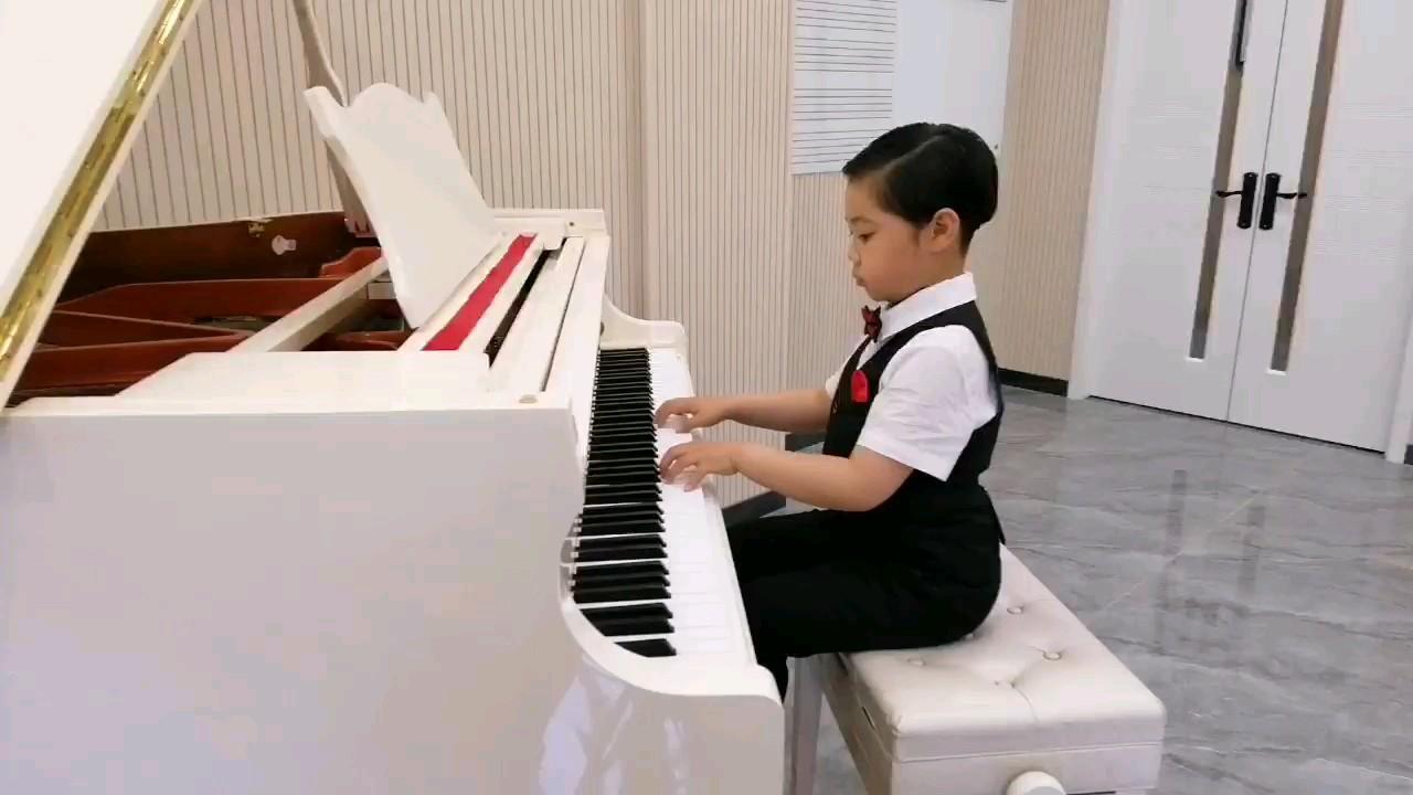 当一名钢琴家是我的梦想演奏视频